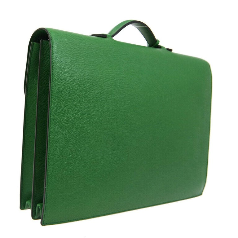 Hermes Green Leather Gold Top Handle Satchel Men's Travel Briefcase Bag in Box In Good Condition For Sale In Chicago, IL