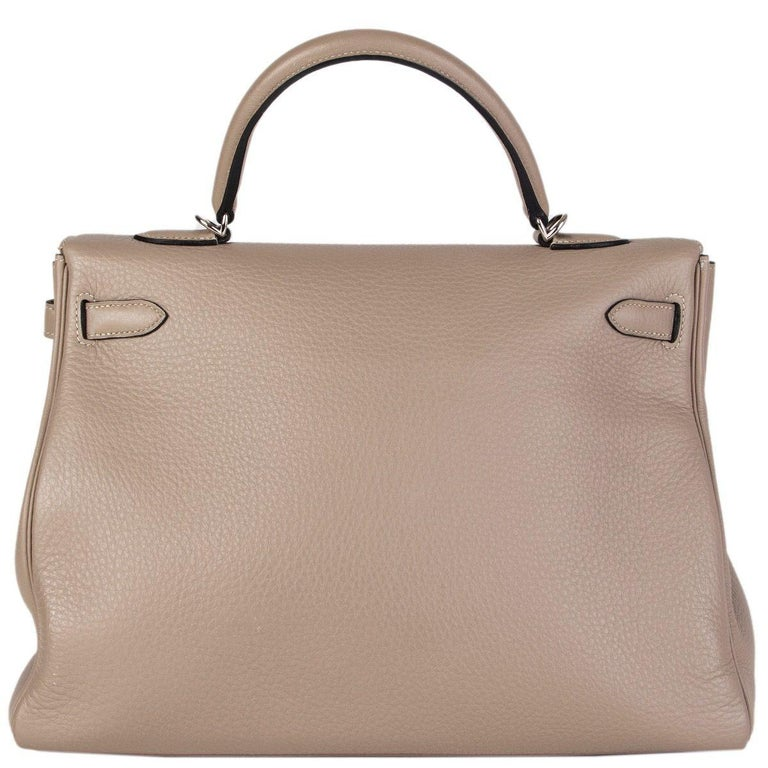 HERMES Gris Tourterelle grey Clemence leather & Palladium KELLY 35 Retourne Bag In Excellent Condition For Sale In Zürich, CH