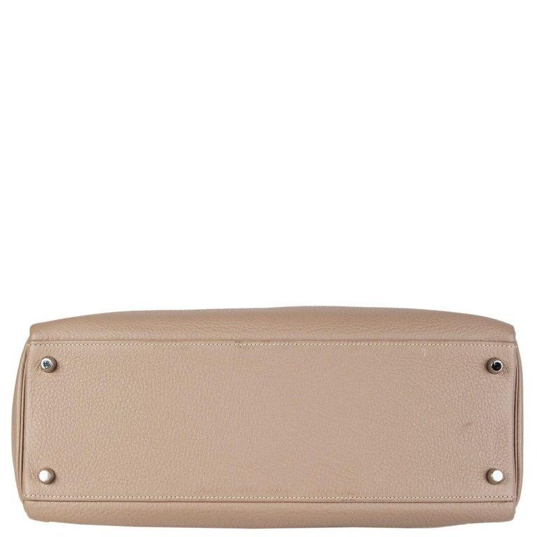 Women's HERMES Gris Tourterelle grey Clemence leather & Palladium KELLY 35 Retourne Bag For Sale