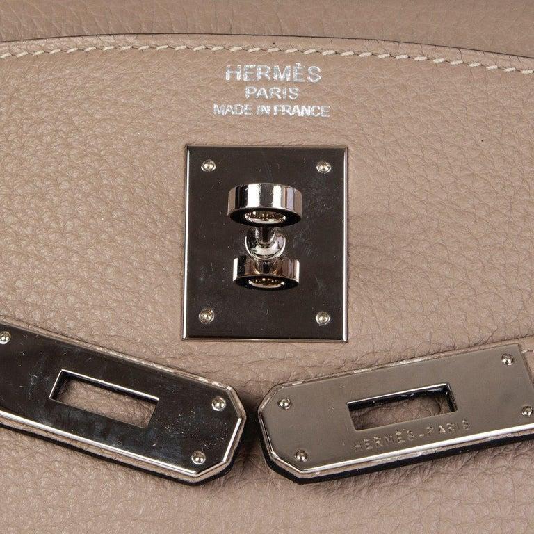 HERMES Gris Tourterelle grey Clemence leather & Palladium KELLY 35 Retourne Bag For Sale 2
