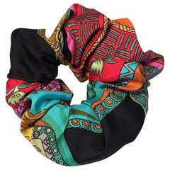 Handmade Vintage Art des Steppes Silk Scarf Scrunchie