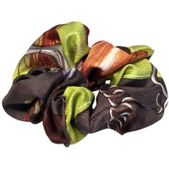 Handmade Projets Carres Silk Scarf Scrunchie in Green
