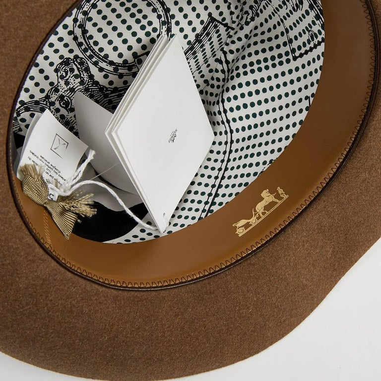 Hermes Hat in Beige Size 57 In Excellent Condition For Sale In Paris, FR