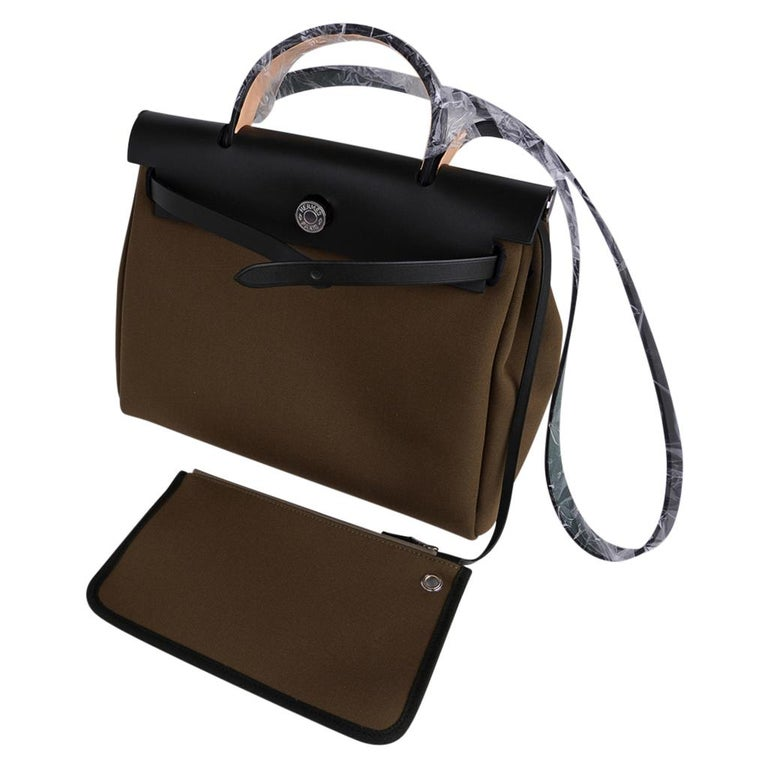 Hermes Herbag Zip Toile Officier PM 31 Vert Olive/Khaki Vache Hunter Leather For Sale 5