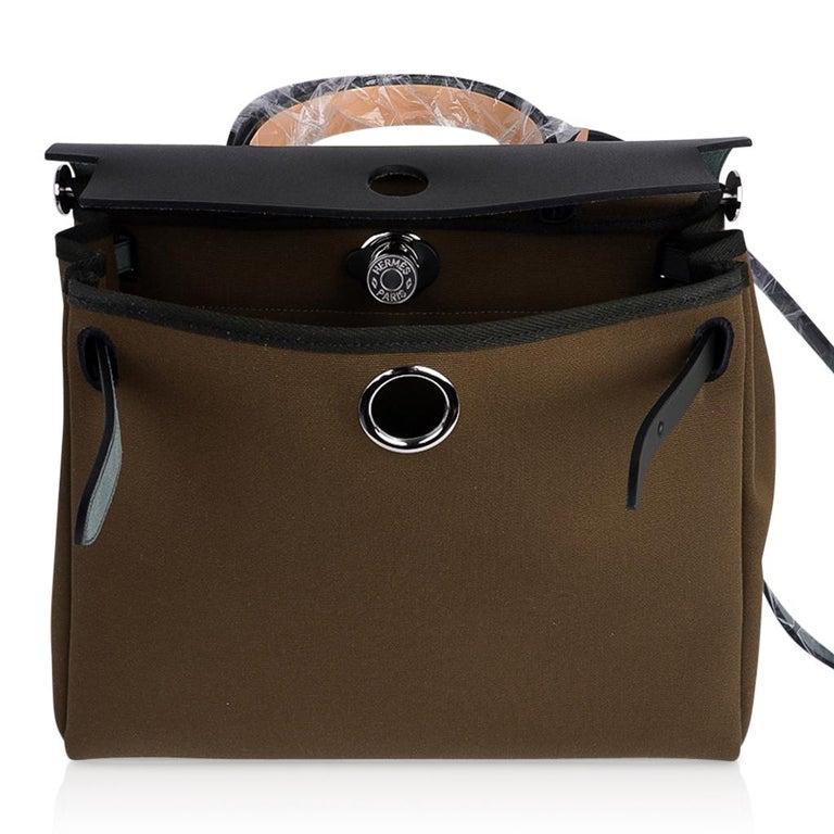 Hermes Herbag Zip Toile Officier PM 31 Vert Olive/Khaki Vache Hunter Leather For Sale 6