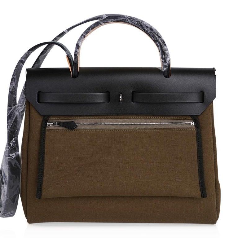 Hermes Herbag Zip Toile Officier PM 31 Vert Olive/Khaki Vache Hunter Leather For Sale 7