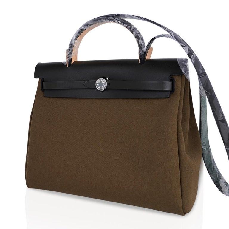 Hermes Herbag Zip Toile Officier PM 31 Vert Olive/Khaki Vache Hunter Leather For Sale 1