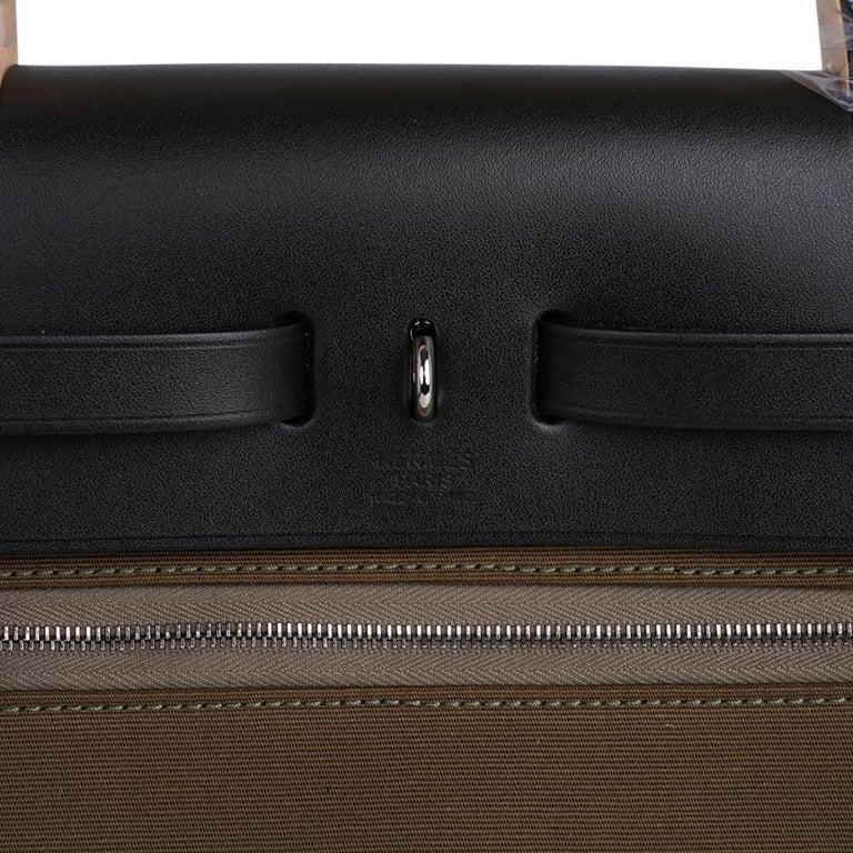 Hermes Herbag Zip Toile Officier PM 31 Vert Olive/Khaki Vache Hunter Leather For Sale 3