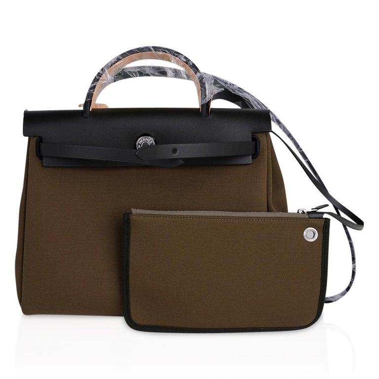 Hermes Herbag Zip Toile Officier PM 31 Vert Olive/Khaki Vache Hunter Leather For Sale 4