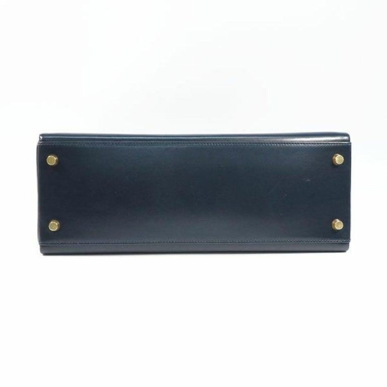 HERMES inside seam Kelly32 Womens handbag Navy x gold hardware In Good Condition For Sale In Takamatsu-shi, JP