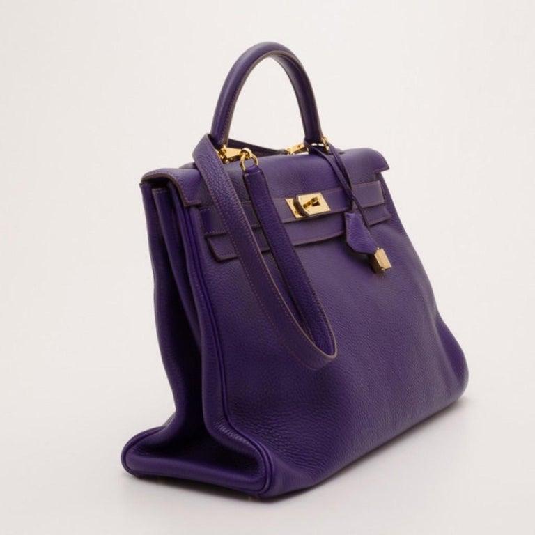 Hermes Iris Togo Leather Gold Hardware Kelly Retourne 40 Bag In Good Condition For Sale In Dubai, Al Qouz 2