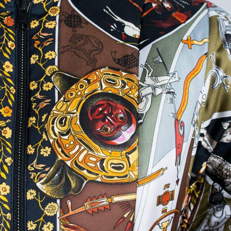 Hermes Jacket in Les Mythologies des Hommes Rouges Scarf Print Reversible Coat M For Sale 2