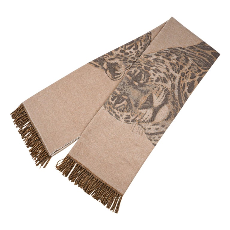 Hermes Jaguars Du Bresil Blanket Naturel Cashmere New w/ Box In New Condition For Sale In Miami, FL