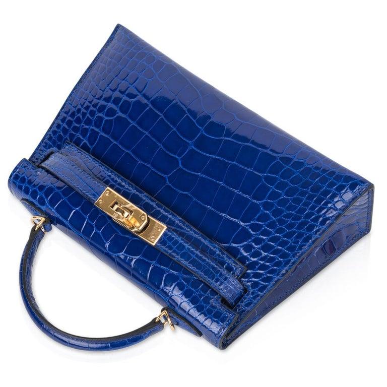 Women's Hermes Kelly 20 Sellier Mini Blue Electric Alligator Gold Hardware For Sale