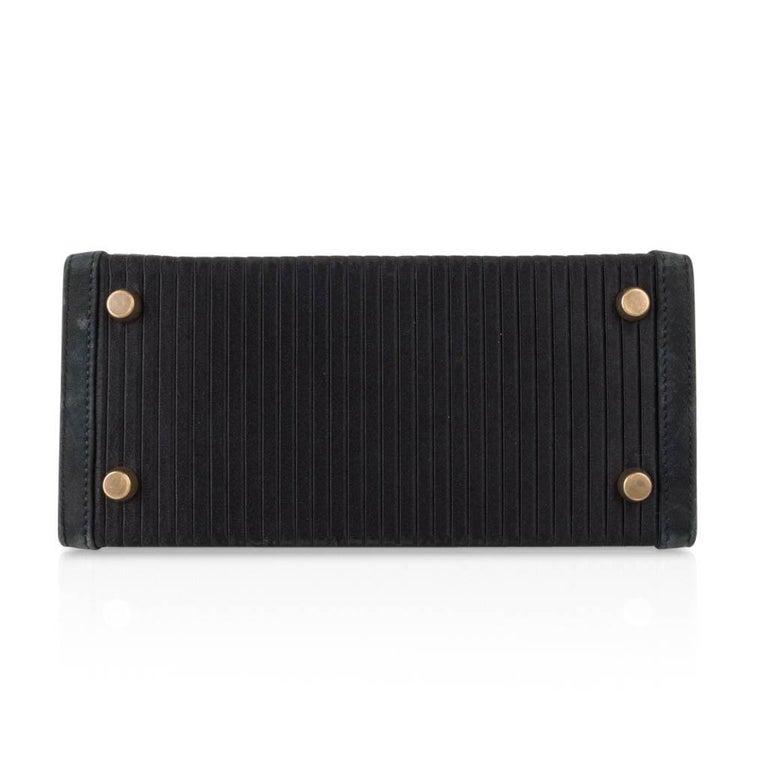 Hermes Kelly 20 Vintage Black Pleated Silk Suede Trim Gold Hardware For Sale 5