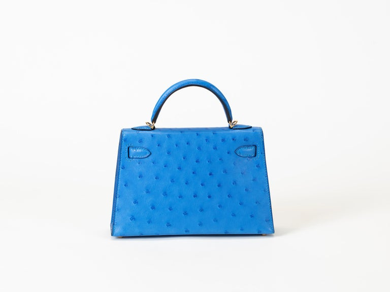 Hermes Kelly 20cm Model II Bluet Ostrich bag with Gold hardware In New Condition In Sheridan, WY