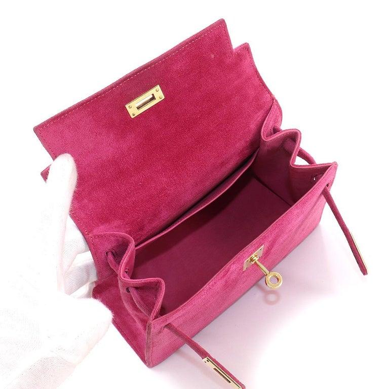 Women's or Men's Hermès Kelly 20cm Shoulder Strap Fuchsia Doblis Gold Hardware For Sale
