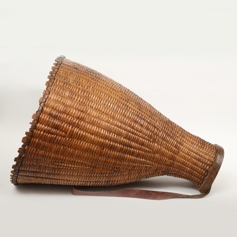 Large Hand Woven French Grape Pickers Basket-France, 19th c. For Sale 3