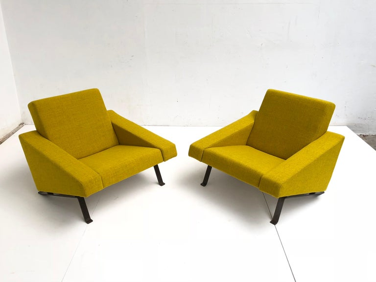 Rare Triangel Sofa and two Lounge Chairs by Gelderland, circa 1958 De Ploeg Wool For Sale 4