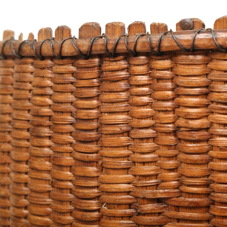 Large Hand Woven French Grape Pickers Basket-France, 19th c. In Good Condition For Sale In West Palm Beach, FL