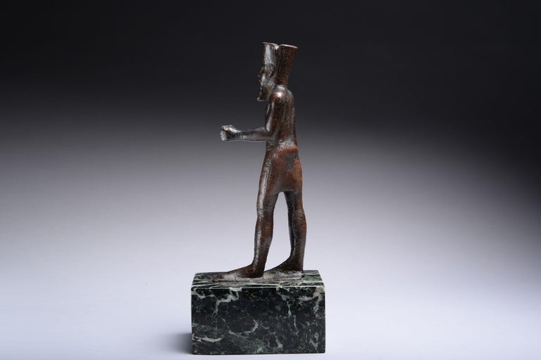 Ancient Egyptian Bronze Statue of Amun, 664 BC For Sale 1