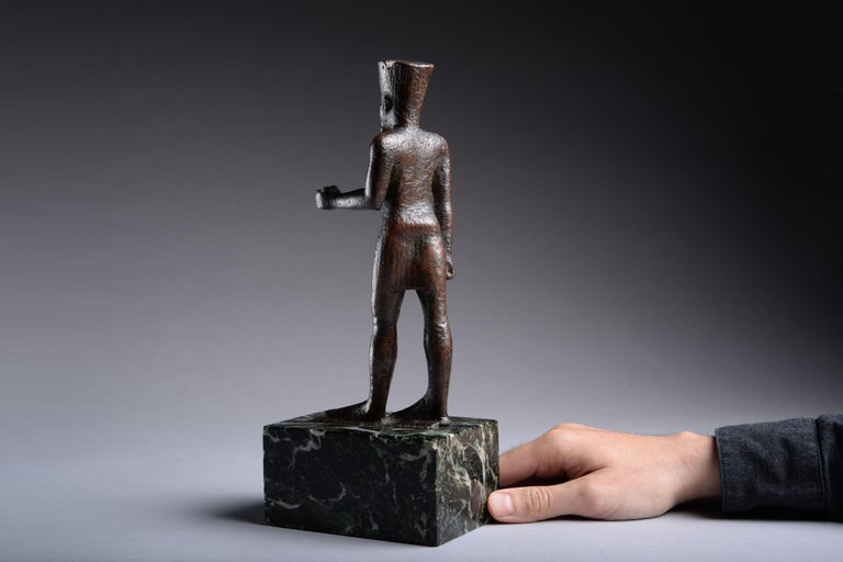 Ancient Egyptian Bronze Statue of Amun, 664 BC For Sale 2