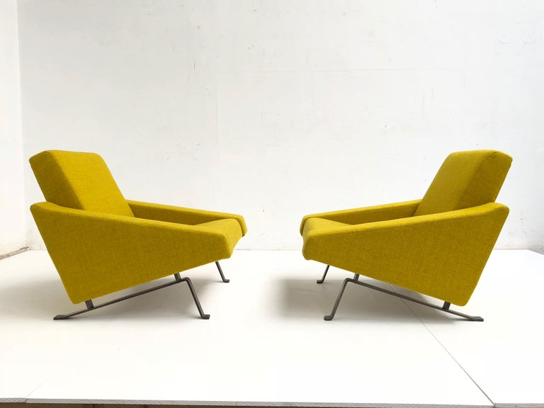 Rare Triangel Sofa and two Lounge Chairs by Gelderland, circa 1958 De Ploeg Wool In Excellent Condition For Sale In bergen op zoom, NL
