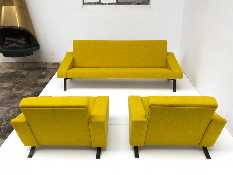 Mid-20th Century Rare Triangel Sofa and two Lounge Chairs by Gelderland, circa 1958 De Ploeg Wool For Sale