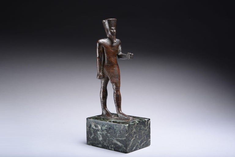 Ancient Egyptian Bronze Statue of Amun, 664 BC For Sale 4