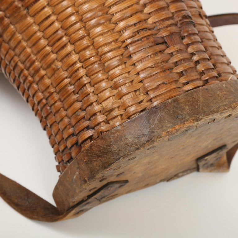 Large Hand Woven French Grape Pickers Basket-France, 19th c. For Sale 1