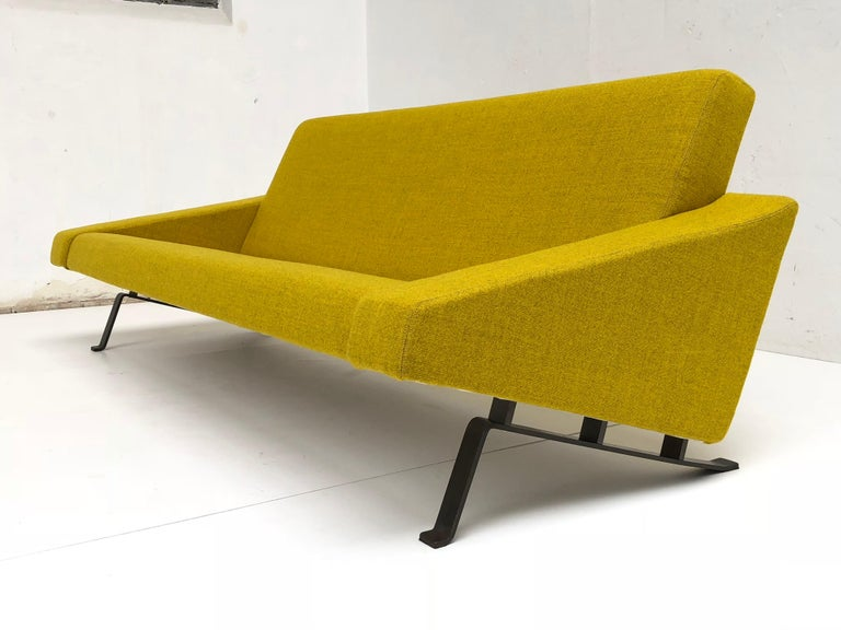 Steel Rare Triangel Sofa and two Lounge Chairs by Gelderland, circa 1958 De Ploeg Wool For Sale