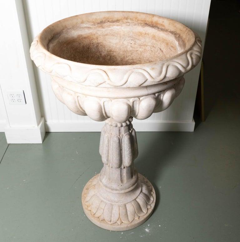 18th Century Italian Renaissance Baptismal Marble Urn For Sale 5