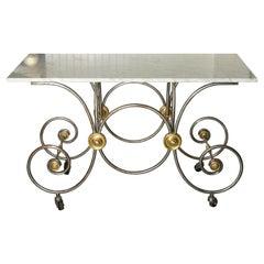 Französischer Stil, Bäckertisch mit Marmorplatte auf Messing und Metall Basis