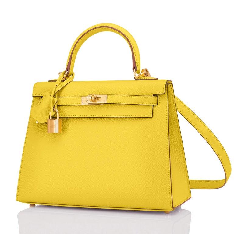 Women's Hermes Kelly 25 Lime  Epsom Sellier Shoulder Bag Gold Y Stamp, 2020 For Sale