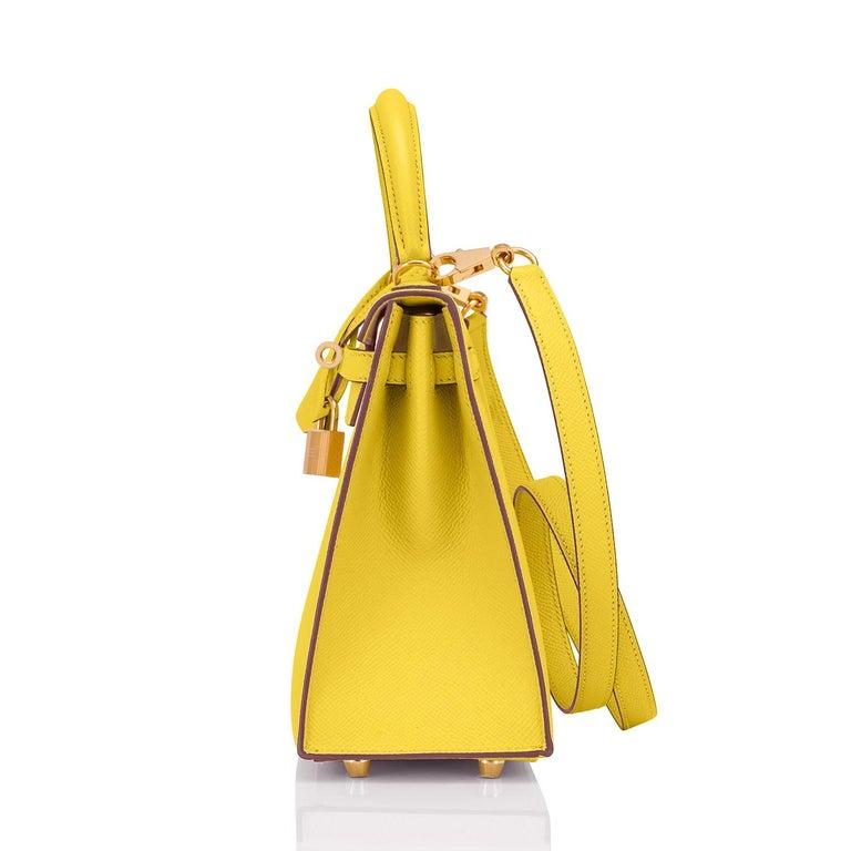 Hermes Kelly 25 Lime  Epsom Sellier Shoulder Bag Gold Y Stamp, 2020 For Sale 1