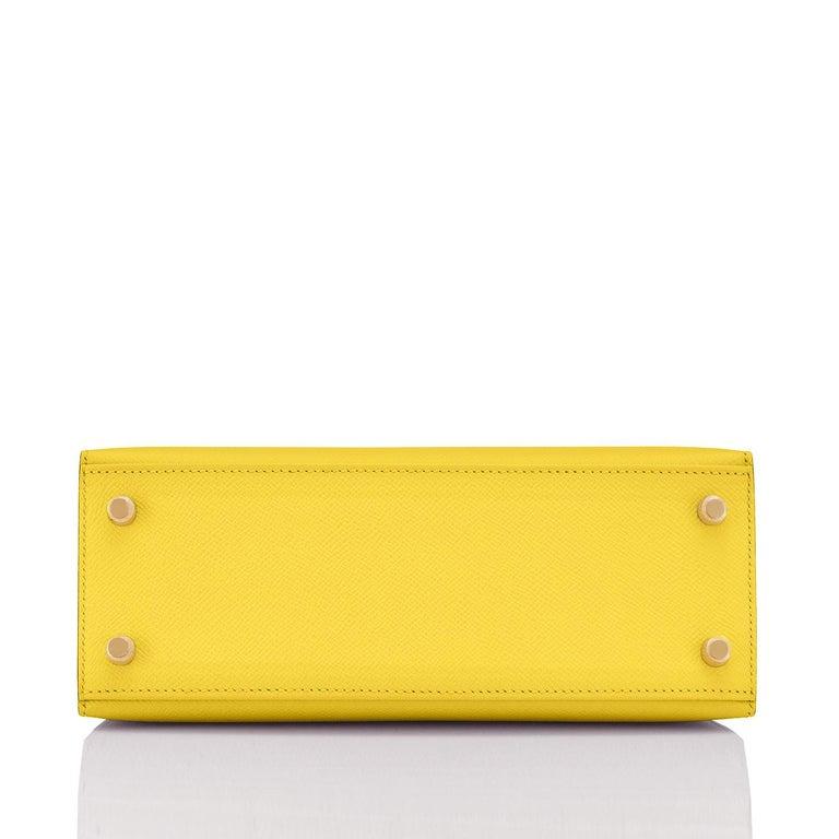 Hermes Kelly 25 Lime  Epsom Sellier Shoulder Bag Gold Y Stamp, 2020 For Sale 2