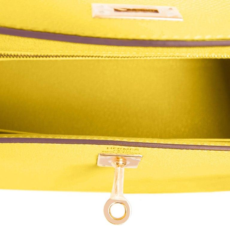 Hermes Kelly 25 Lime  Epsom Sellier Shoulder Bag Gold Y Stamp, 2020 For Sale 3