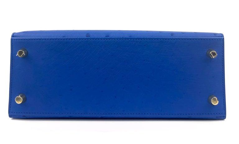Hermes Kelly 25 Ostrich Bleuet Blue Gold Hardware  For Sale 6