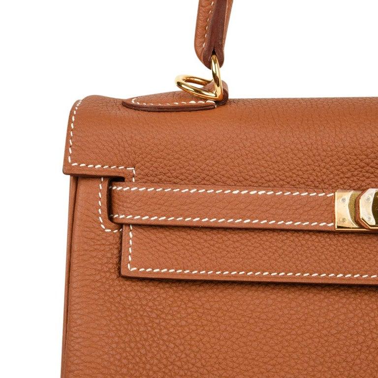 Hermes Kelly 25 Retourne Bag Coveted Gold Togo Gold Hardware  For Sale 2