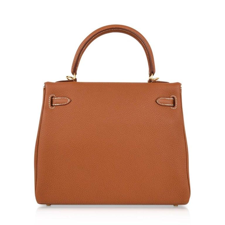 Hermes Kelly 25 Retourne Bag Coveted Gold Togo Gold Hardware  For Sale 3