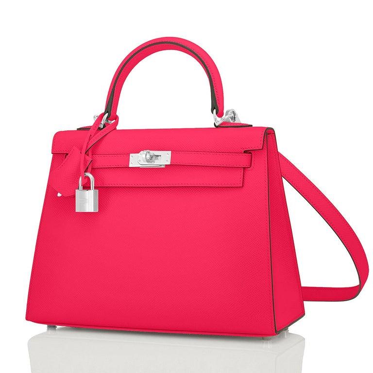 Women's Hermes Kelly 25 Rose Extreme Pink Epsom Sellier Bag Palladium Y Stamp, 2020 For Sale