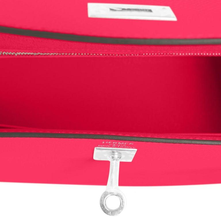 Hermes Kelly 25 Rose Extreme Pink Epsom Sellier Bag Palladium Y Stamp, 2020 For Sale 3