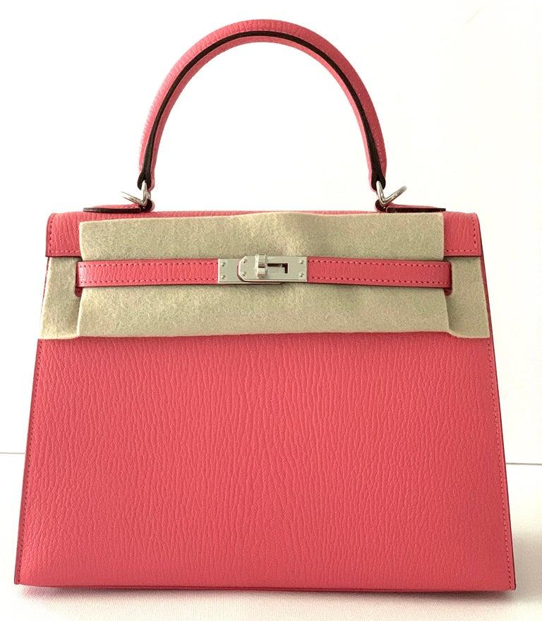 Women's or Men's Hermes Kelly 25 Rose Lipstick PInk Chevre Limited Edition Sellier Bag For Sale