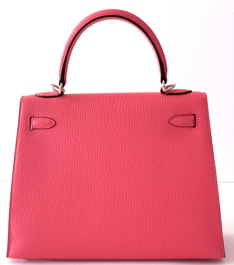 Hermes Kelly 25 Rose Lipstick PInk Chevre Limited Edition Sellier Bag For Sale 3