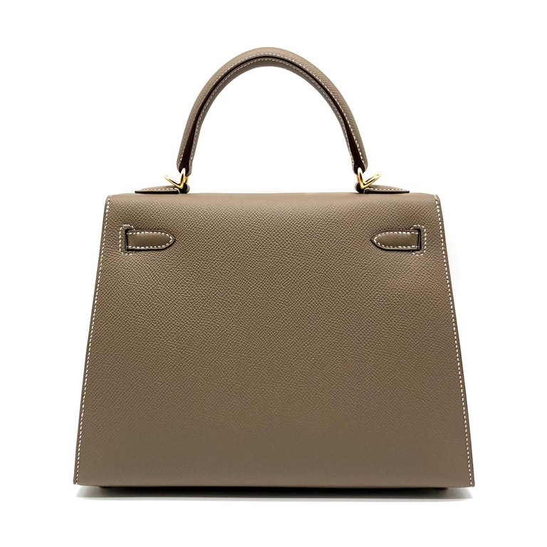 Hermès Kelly 25cm Etoupe Epsom Leather Gold Hardware In New Condition For Sale In Jakarta, IN