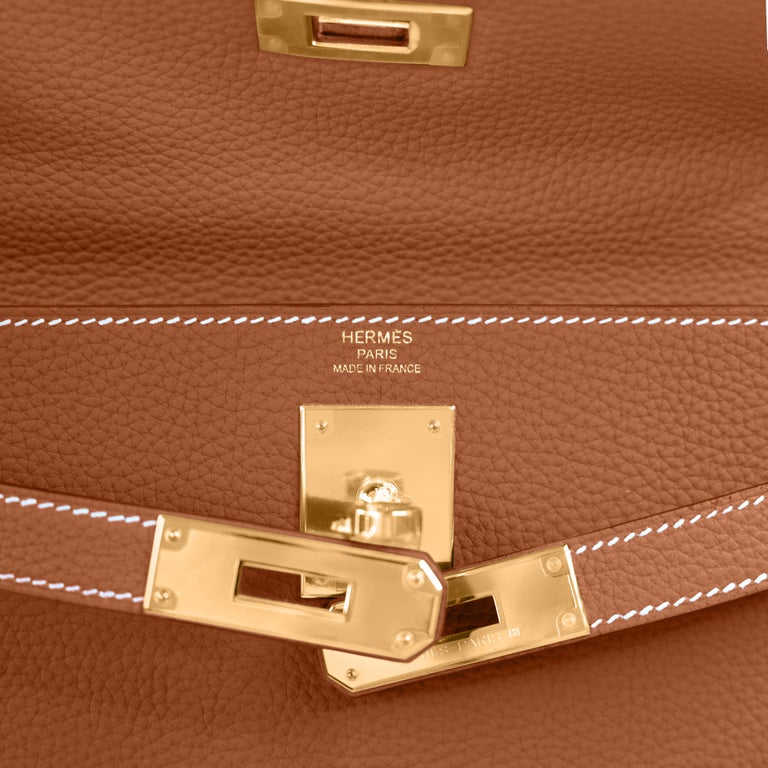 Hermes Kelly 25cm Gold Camel Camel Tan Shoulder Bag Togo Retourne Y Stamp, 2020 For Sale 1