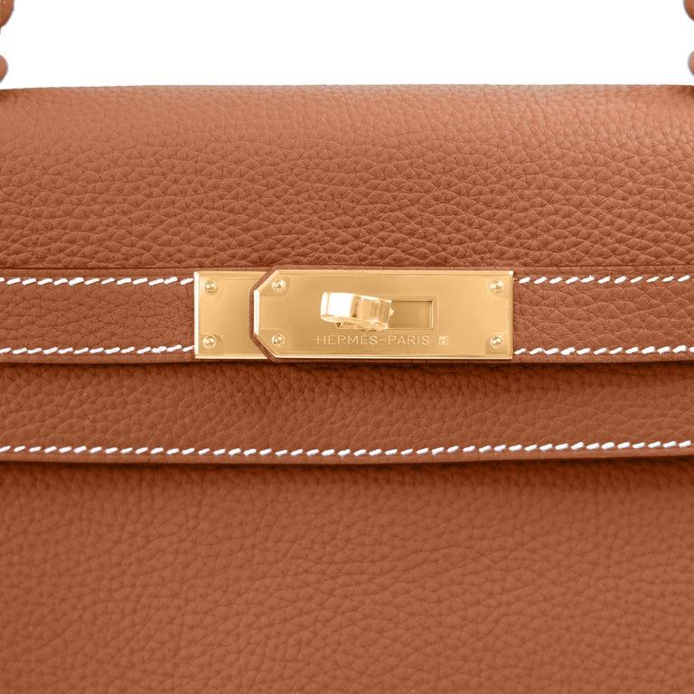 Brown Hermes Kelly 25cm Gold Camel Tan Shoulder Bag Togo Retourne Y Stamp, 2020 For Sale