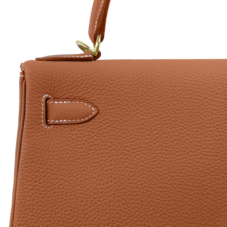 Hermes Kelly 25cm Gold Camel Tan Shoulder Bag Togo Retourne Y Stamp, 2020 In New Condition For Sale In New York, NY