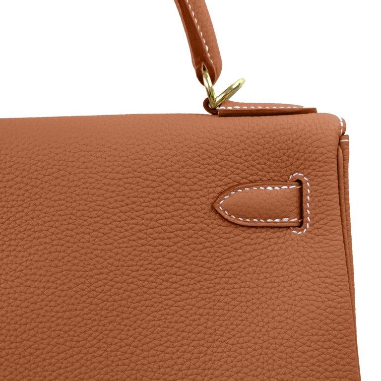 Women's Hermes Kelly 25cm Gold Camel Tan Shoulder Bag Togo Retourne Y Stamp, 2020 For Sale