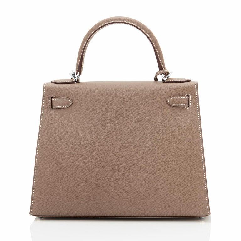 Women's Hermes Kelly 28 Etoupe Epsom Sellier Taupe Shoulder Bag Y Stamp, 2020 For Sale